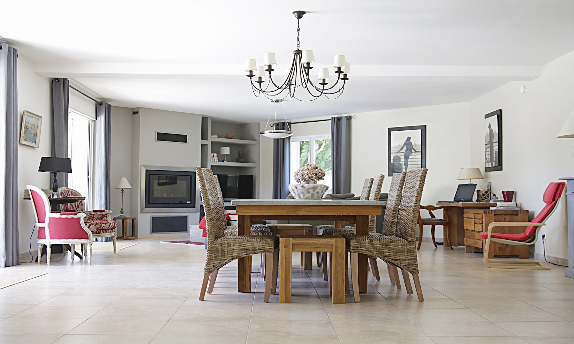 apartment-architecture-ceiling-lamp-269262